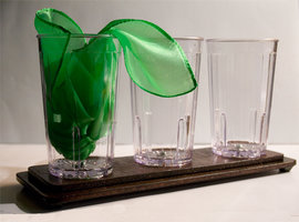 Acrobatic Silk in Glasses tray